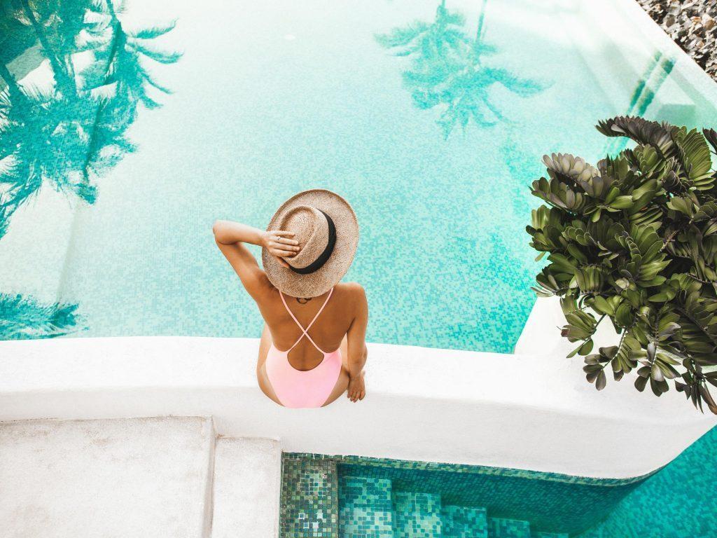 Happy summer - Σας ευχόμαστε τις πιο DELUXE διακοπές!
