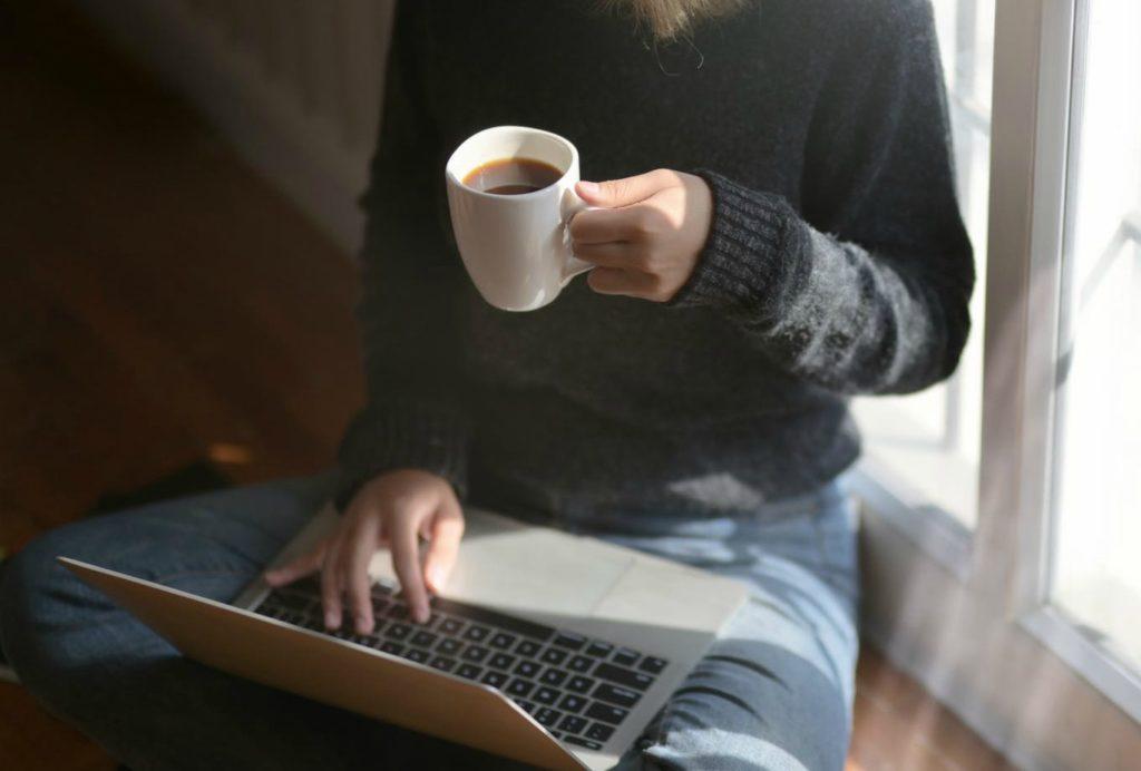 Ξεκίνα κάτι καινούργιο από το σπίτι μέσω internet!