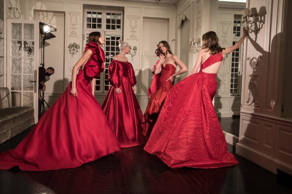 Celia Kritharioti Couture Red for Hope Xmas 2020 Collection στην Εβδομάδα Μόδας (video)