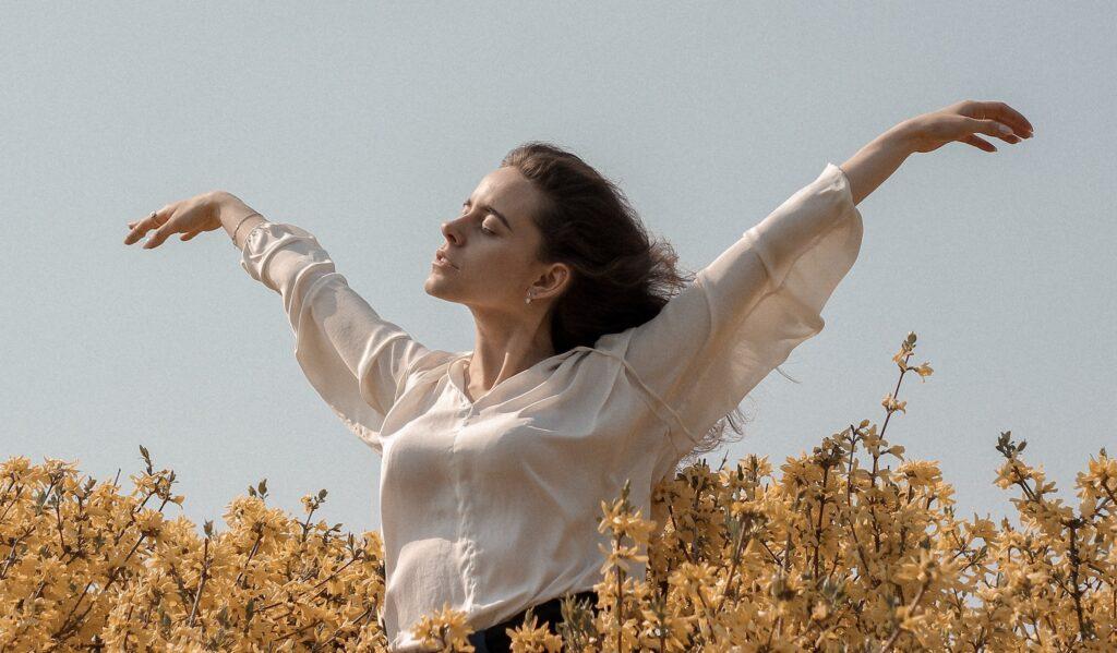 10 απλοί τρόποι για να νιώσεις αμέσως πιο όμορφη